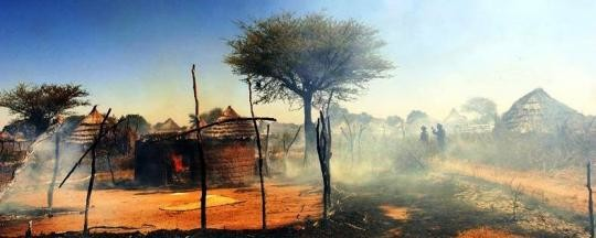 The village of Tama in Central Darfur in flames (Unamid)