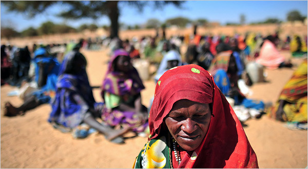 Displaced women in Darfur (file photo)