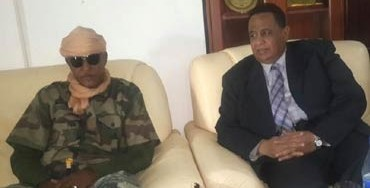 Musa Hilal (L) and Dr Ibrahim Ghandour during the meeting in El Geneina, 12 January 2015