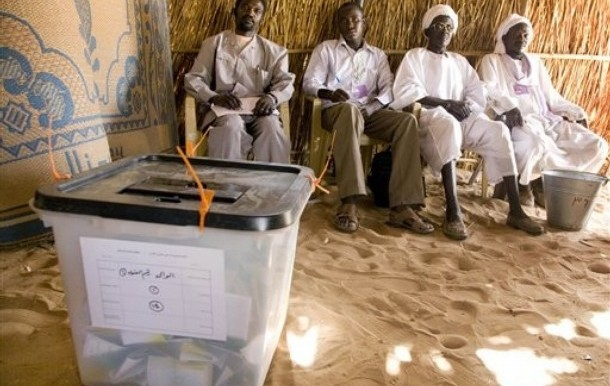 A ballot box in Zamzam camp, North Darfur, during the 2010 general elections (UNMIS)