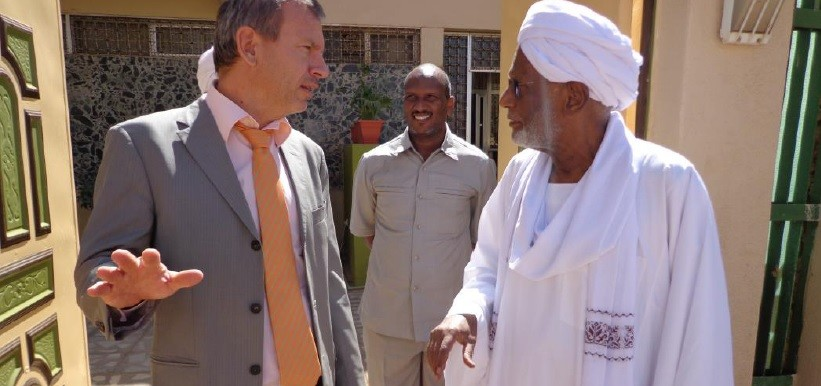 Head of the EU Delegation to Sudan, Ambassador Tomas Ulicny, and Dr Hassan El Turabi, head of the Popular Congress Party, this year (EU)