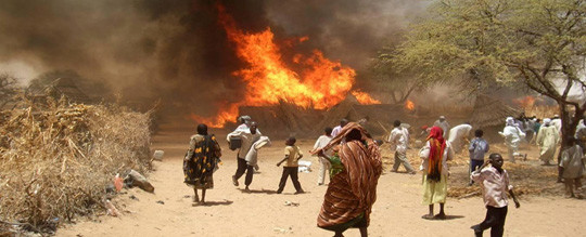 Fire in the village of Kuma Garadayat, North Darfur (Albert González Farran/Unamid)
