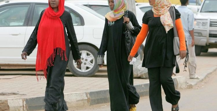 Sudanese women in downtown Khartoum (theepochtimes.com)