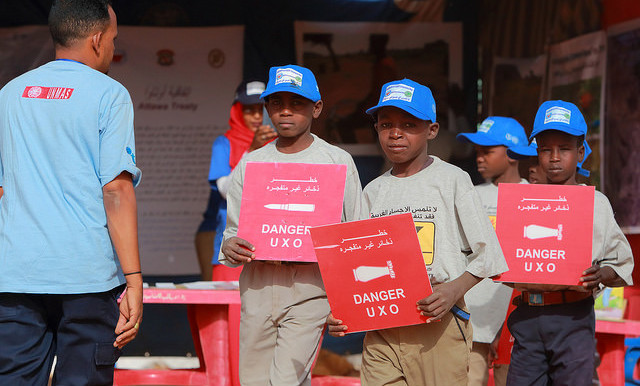 To mark the International Day for Mine Awareness, Unamid raised awareness of the risks posed by unexploded ordnance (UXO) in El Geneina, West Darfur, 4 April 2015 (Bojan Vukovic/Unmas)