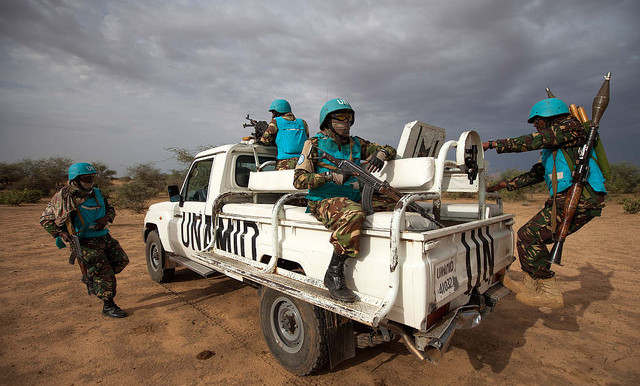 A Unamid patrol in South Darfur in 2014 (Albert González Farran / Unamid)