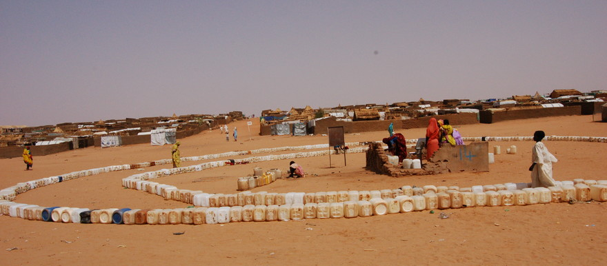 The zone outside Abu Shouk camp in El Fasher, North Darfur, 2007 (Source: UNEP database)
