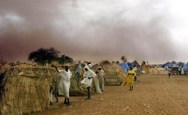 A storm looms over Kalma camp in South Darfur (File photo)