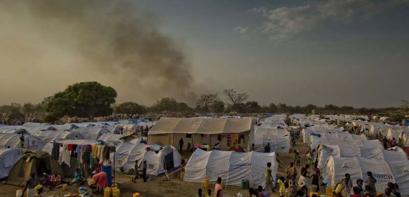 Evening approaches at the Dzaipi transit centre in northern Uganda, where UNHCR has erected tents for many of the refugees from South Sudan (F. Noy/UNHCR)