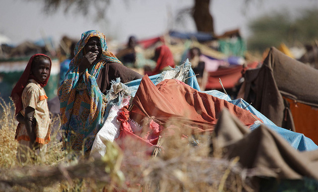 Newly displaced people who fled their village in 2015 after clashes between government and rebel forces in Zamzam camp, North Darfur (Albert González Farran/Unamid)