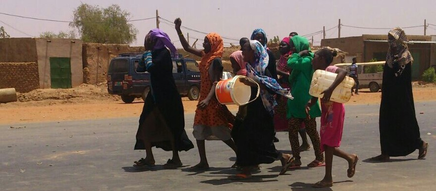 Protest against water outages in Khartoum, June 2015 (file photo)