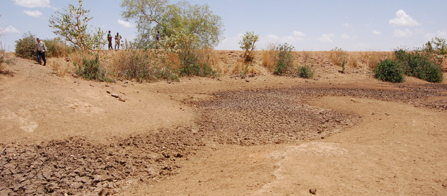 Dried-up dam in West Darfur (File photo: postconflict.unep.ch)