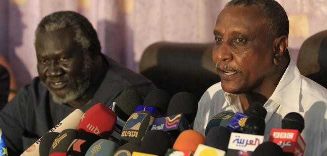 Secretary-General Yasir Arman and Chairman of the SPLM-N, Malik Agar, during a press conference (file photo)