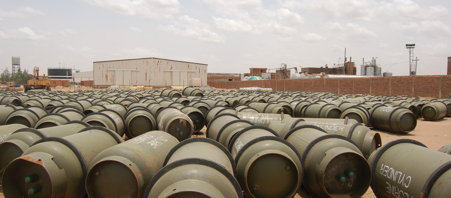 Chlorine storage cylinders outside a chemical plant in Barri, Khartoum, in 2007 (UNEP)