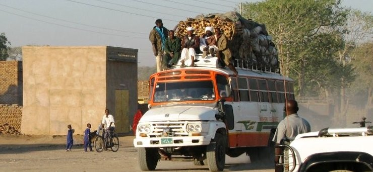 A morning bus from Kass to Nyala in South Darfur (file photo)