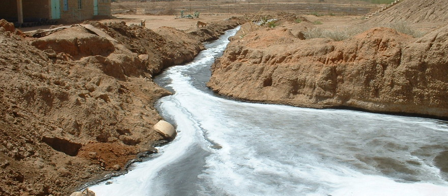 Raw sewage flowing to the White Nile in Khartoum (UNEP Photo)