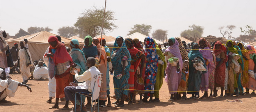 Newly displaced from Jebel Marra queue for food distribution (File photo RD)