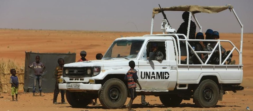 Members of Unamid patrol Zamzam camp for the displaced in North Darfur (File photo: Ashraf Shazly / AFP)