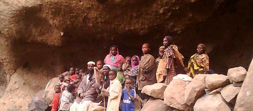 Darfuri villagers hiding in a cave high in Mount Marra, 9 March 2016 (RD correspondent)