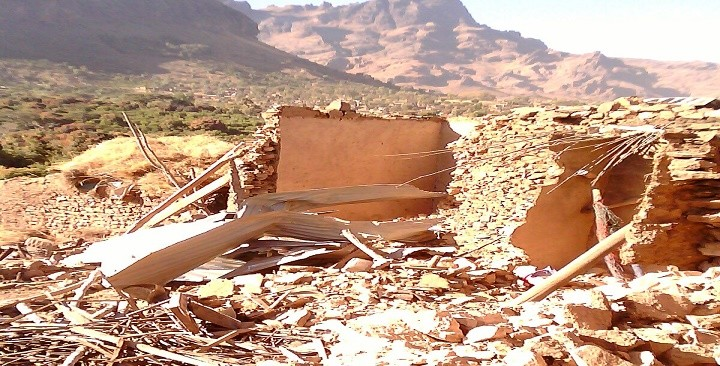 A house destroyed in an air raid by the Sudanese Air Force in Manabo village, east of Golo in Darfur's Jebel Marra, 5 March 2016 (RD)