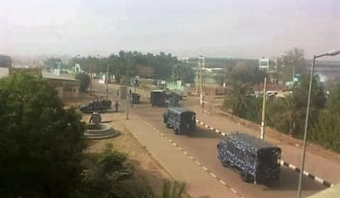Vehicles of the joint security and riot police force in Omdurman, November 2016 (RD)