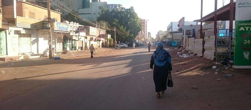Day 3 of the civil disobedience campaign in Khartoum resulted in more empty streets in the late morning (photos from social media)
