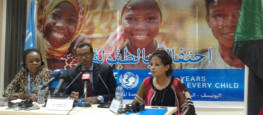 Sudanese singer Nancy Ajaj and Abdallah El Fadil, Unicef representative in Sudan, announce Ajaj's new post as ambassador for the UN Children's Fund in Khartoum (Unicef)