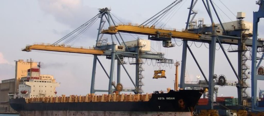 A ship is unloaded at the Port Sudan container terminal (File photo)