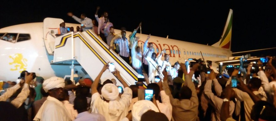 Released PoWs arrive in Khartoum this evening (see more pictures below)