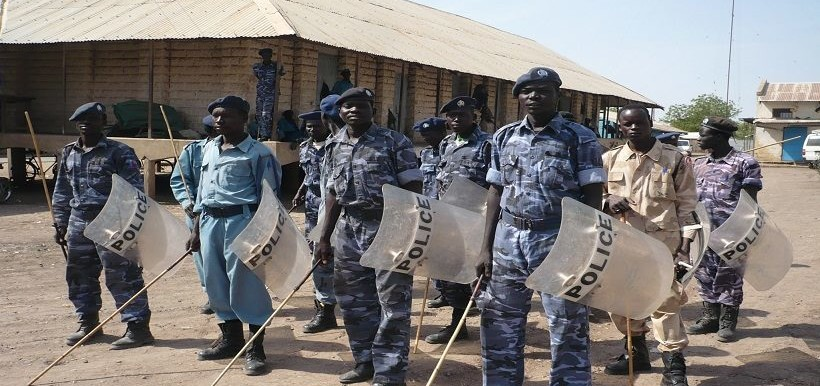 Sudanese anti-riot police officers (file photo)
