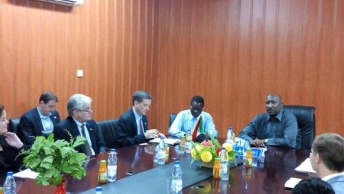 Governor of North Darfur Abdelwahid Yousif discussed with the head of United States Agency for International Development (USAID) Mark Green the security and humanitarian situation in the state, on 28 August (ST)