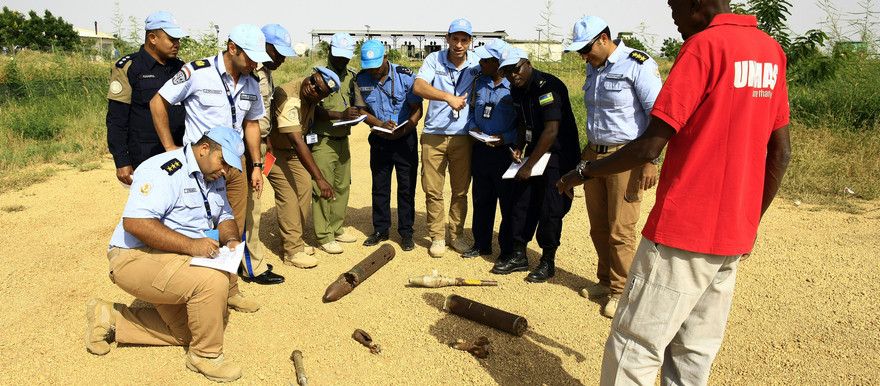 Participants in Unamid's five-day training of trainers (ToT) workshop on explosive remnants of war (ERW) in the West Darfur capital of El Geneina on September 26, 2017 (Photo: Muntasir Sharafadin / Unamid)