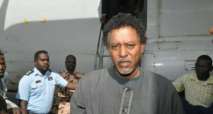 Musa Hilal, chairman of the Revolutionary Awakening Council, arrives as captive in Khartoum on Monday (RD)