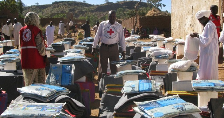 ICRC at work in Golo with the Sudanese Red Crescent Society to distribute essential household items to 1,500 vulnerable families in Jebel Marra in late 2017 (File photo: ICRC)