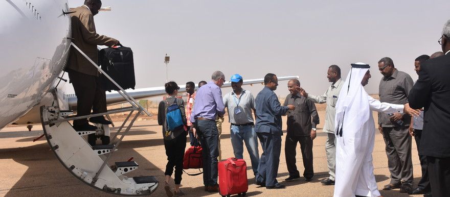 High-level international donor delegation arrives at Kassala airport (Photo: UNHCR / B. Egeh)