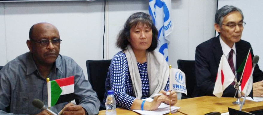 UNHCR Representative, Noriko Yoshida (centre) and the Ambassador of Japan to Sudan, Shinji Urabayashi at the announcement in Khartoum (Picture: UNHCR)