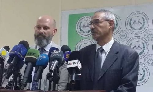 WFP Country Director Matthew Hollingworth (L) and Humanitarian Aid Commissioner Ahmed Mohamed Adam at a press conference in Khartoum, Sept. 27, 2018 (SudanTribune)