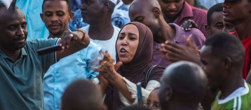 Demonstrators calling for a transition to civilian government show their anger during Khartoum sit-in in April 2019 (social media)