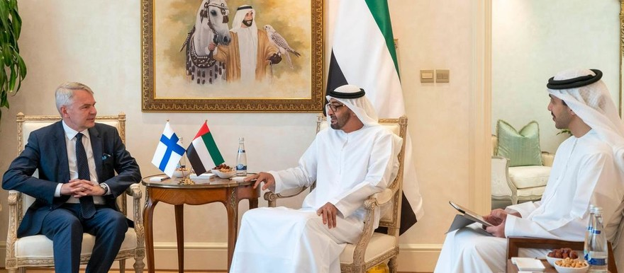 Sheikh Mohamed bin Zayed, Crown Prince of Abu Dhabi, meets with Pekka Haavisto, EU envoy to Sudan, July 24, 2019 (Rashed Al Mansoori/Ministry of Presidential Affairs)
