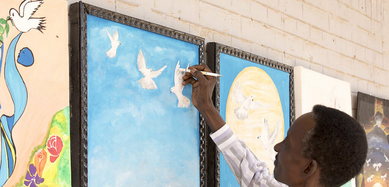 Residents of El Fasher in North Darfur celebrate International Day of Peace (UNAMID)