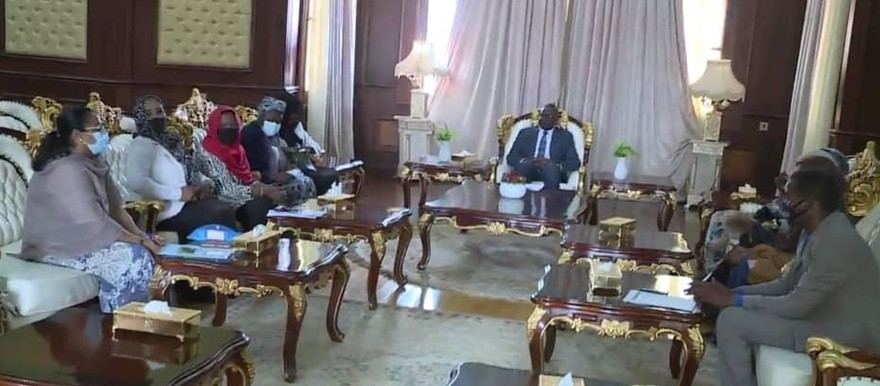 Member of Transitional Sovereingty Council, Mohamed El Taayshi, meets with delegation representing the women's issues agenda in upcoming SPLM-N El Hilu peace negotiations (SUNA)
