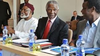 Thabo Mbeki (C) chairman of the AU High-level implementation Panel (AUHIP) (file photo)