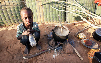 A displaced child in Darfur (File photo: Hamid Abdulsalam / Unamid)