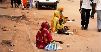 Begging in Khartoum (file photo)