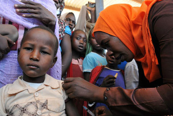 Vaccinations in Darfur (Banluta/WHO)
