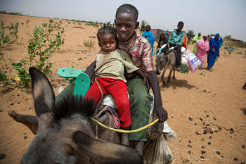 Newly displaced families arrive to Zamzam camp (Unamid)