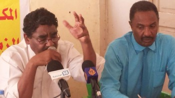 Ibrahim El Sheikh speaks at a press conference organised by Sudanese opposition forces in Khartoum in August 2015 (file photo)