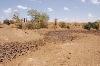 A dried-up dam in West Darfur (postconflict.unep.ch)