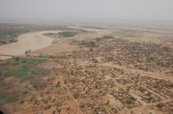 A camp for displaced people in El Geneina, West Darfur (UNEP)