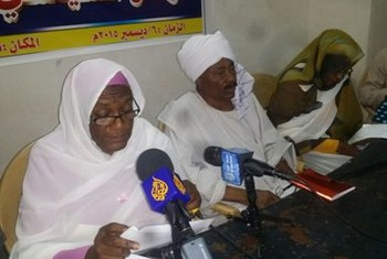NUP General-Secretary Sara Nugdallah speaks at the press conference in Omdurman on 6 December 2015 (Sudan Tribune)