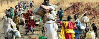 Displaced people travel on the road in Blue Nile (Radio Tamazuj)